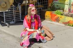 Jeu d'artistes de rue sur des instruments à Farmer&#x27 ; marché de s Photos stock