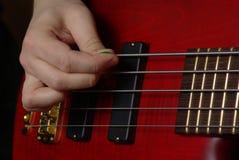 Jeu d'une guitare rouge Images libres de droits