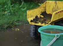 Jeu dans la boue Image stock