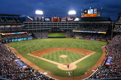 Jeu de base-ball de Texas Rangers la nuit Photo libre de droits