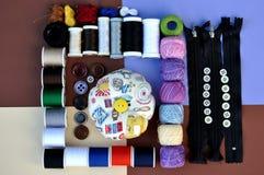Jeu de bobine et boutons Image stock