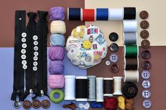 Jeu de bobine et boutons Photo stock
