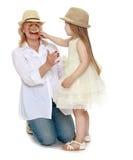 Jeu de grand-mère et de petite-fille Photographie stock libre de droits
