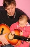 Jeu de la guitare photos stock