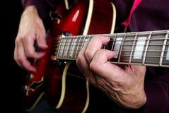 Jeu de la guitare Joueur de guitare électrique Images libres de droits