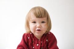 Jeu ?motif dr?le heureux de petite fille B?b? blond caucasien mignon photos libres de droits