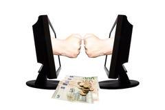 Jeu virtuel par forme de main d'Internet de la pierre de papier de ciseaux sur le fond blanc avec l'argent - concept 2 d'affaires Image stock