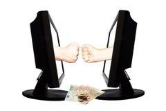 Jeu virtuel par forme de main d'Internet de la pierre de papier de ciseaux sur le fond blanc avec l'argent - concept 3 d'affaires Images libres de droits