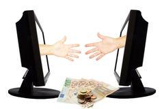 Jeu virtuel par forme de main d'Internet de la pierre de papier de ciseaux sur le fond blanc avec l'argent - concept 5 d'affaires Photographie stock