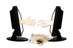 Jeu virtuel par forme de main d'Internet de la pierre de papier de ciseaux sur le fond blanc avec l'argent - concept 6 d'affaires Image stock