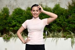 Jeugdig Filipina Adult Female Wondering stock foto's