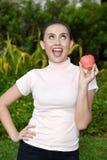 Jeugdig Filipina Female And Happiness With-Fruit royalty-vrije stock afbeeldingen