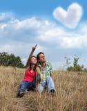 Jeune aimer de couples Image libre de droits