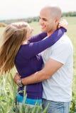 Jeune amour de couples Image libre de droits