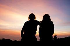 Jeune apprécier de couples Images libres de droits