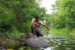 Jeune archer dans la forêt Images stock
