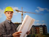 Jeune architecte devant le chantier Photos stock