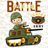 Jeune bande dessinée de soldat de garçon avec le véhicule blindé Images libres de droits