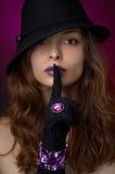 Jeune beau femme avec le bijou Photo stock
