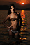 Jeune beau femme sur la plage Photo libre de droits
