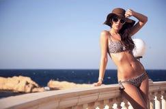 Jeune beauté le jour de vacances Photographie stock libre de droits