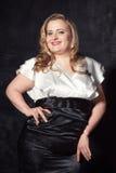Jeune belle femme blonde grosse Image libre de droits