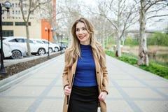 Jeune belle femme d'affaires photo libre de droits