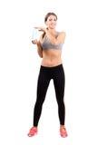 Jeune belle femme sportive tenant la bouteille d'eau Photo libre de droits