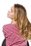 Jeune belle fille avec le long cheveu photographie stock
