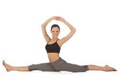 Jeune belle pose de yoga de fille Image stock