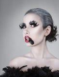 Jeune belle verticale de femme Photographie stock libre de droits