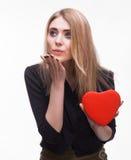 Jeune blond avec un coeur Photos libres de droits