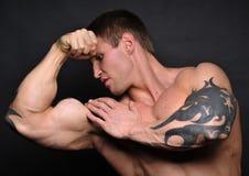 Jeune bodybuilder image stock