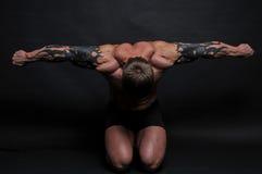 Jeune bodybuilder photos libres de droits