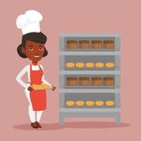 Jeune boulanger féminin heureux tenant le plateau du pain Photo stock