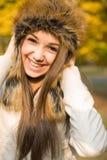 Jeune brunette mignon. images stock