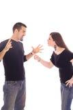 Jeune combat de couples de nouveaux mariés Photographie stock