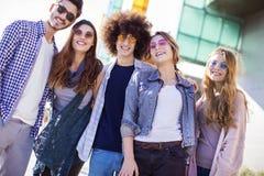 Jeune concept d'amitié de la jeunesse de groupe Image stock