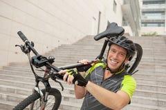 Jeune cycliste photo libre de droits