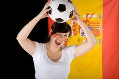 Jeune défenseur femelle heureux d'équipe de l'Espagne Photographie stock