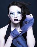 Jeune dame avec l'écharpe Photographie stock libre de droits