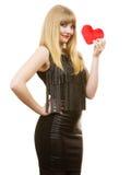 Jeune dame avec le coeur rouge Image stock