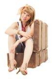 Jeune dame dans un suitecase Photos libres de droits