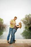 Jeune danse de couples Photographie stock libre de droits