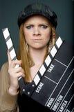 Jeune directeur féminin fâché avec l'ardoise Photographie stock libre de droits