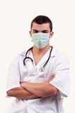 Portrait de jeune docteur avec le masque et le stéthoscope Image stock