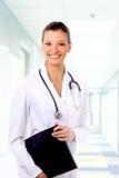 Jeune docteur avec le stéthoscope Photo stock