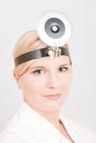 Jeune docteur féminin de sourire Images stock