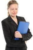 Jeune dépliant de fixation de femme d'affaires Photo stock