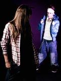 Jeune essai d'homme de hip-hop pour prendre une fille à la disco Photographie stock